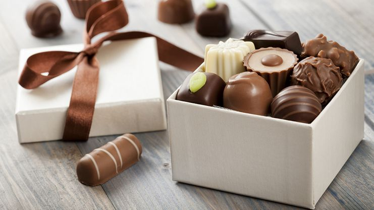 Chocolates and Cookies Gifts for your friends