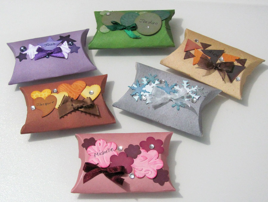 Kraft Pillow Boxes are Very Handy and Creative Boxes